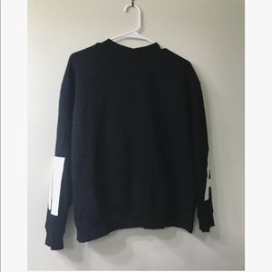H&M black cropped sweater